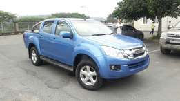 A Shinning 2013 Isuzu 2.5D 4x4 KB250 LE Double cab with only 90000km!