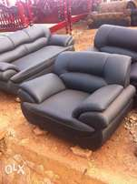 Leather chairs 3:2:1 (6 seaters) up for grabs