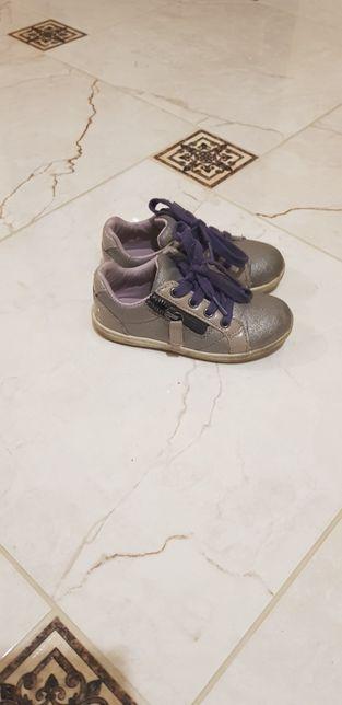 0ec6c678ba0ab4 Кросівки для дівчинки: 100 грн. - Дитяче взуття Львів на Olx