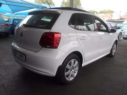 2014 VW White Polo 6 with 1.4 engine