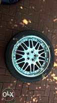 """4x20"""" rims. 2xwith 275/40/r20 tyres."""