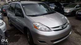 Tincan Clear Tokunbo Toyota Sienna, 2007, Very Okay To Buy From GMI.