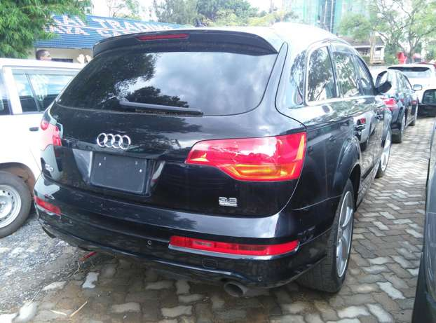 Black Q7,3600cc,Leather Seats,Back Camera,Dvd Player,Back Camera Nairobi CBD - image 6