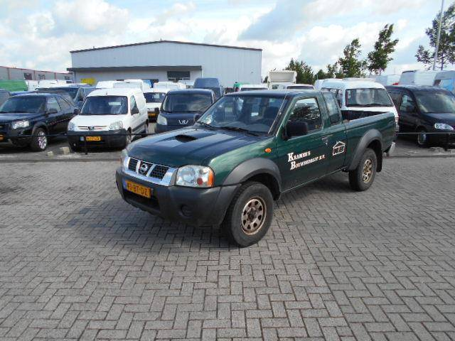 Nissan Pick up 2.5 DTi King Cab 4x4 airco motor defect !! - 2005
