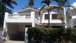 To let Modern Spacious 4 Bedroom MANSION with swimming pool