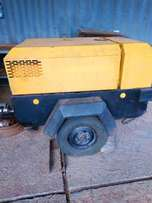 Air Compressor Ingersoll Rand 185cfm portable Expat-owned