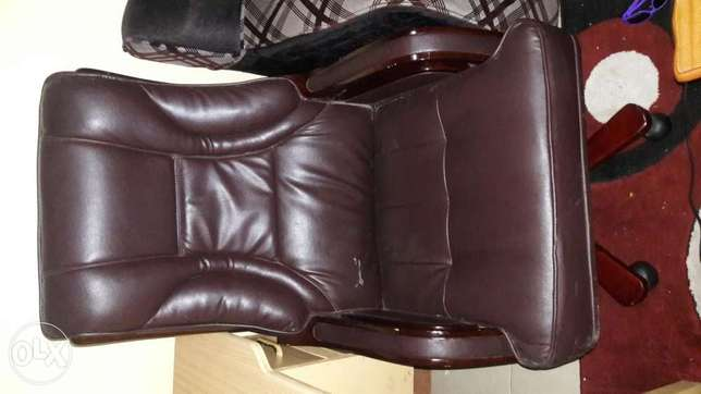 Exexutive office chair Kasarani - image 1