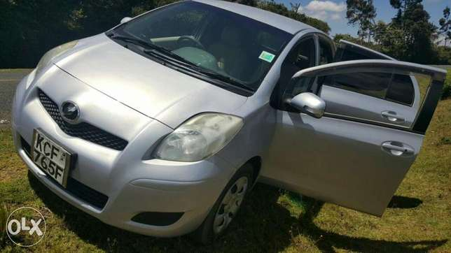 Very clean Toyota Vitz for sale Sigona - image 8