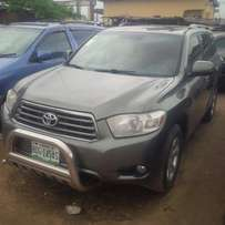 Locally Used (8-Months) Toyota Highlander, 2009, Full-Option, Very OK.