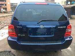 Top of the class 2003 tokunbo Toyota Highlander with good condition
