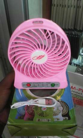 Brand new mini USB portable fan, free delivery within cbd Nairobi CBD - image 1