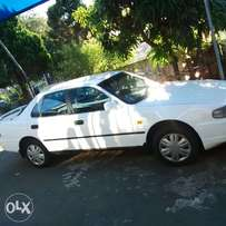 Toyota Camry 200si, white luck