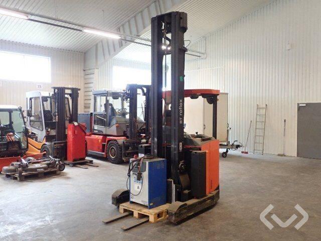 BT RRE160 reach truck - 12