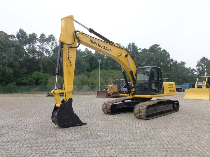 New Holland E215B - 2007