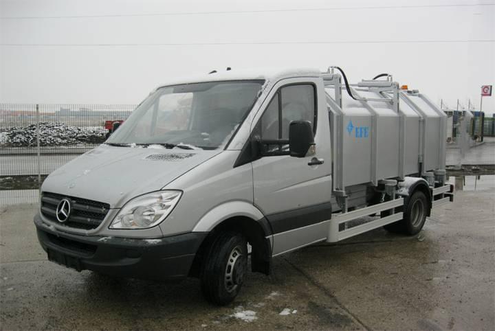 AUTOGUNOIERA cu incarcare laterala garbage truck for parts