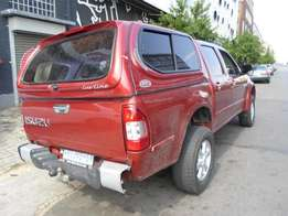 2004 model isuzu 3.0diesel,maroon,leather interior,for sale