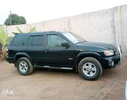 Neatly used Nissan Pathfinder 2003 model