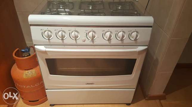 Total gas 6 burner and oven stove for sale!! Wonderboom South - image 1