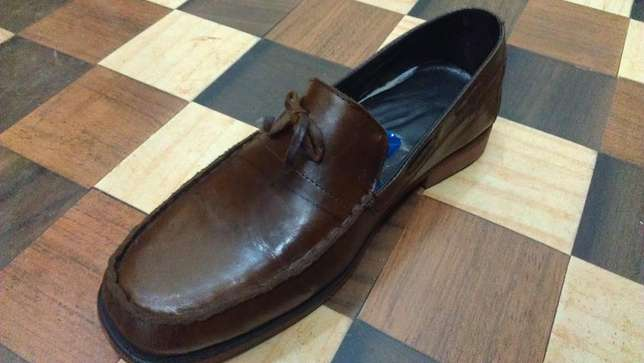 an ACQUILA vintage pure leather loafer size 42(uk 8) Kampala - image 4