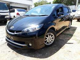 Toyota wish 2010 with sunroof 1800cc valvmatic