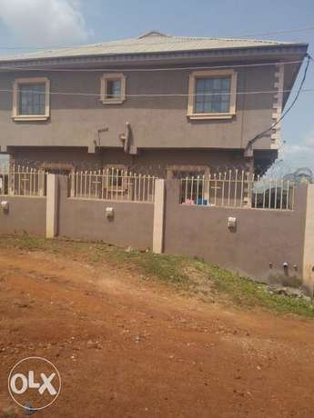 To Let: Clean 3 Bedroom Flat at IREWOLEDE area Ilorin West - image 1