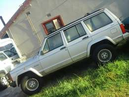 Jeep Cherokee XJ 4x4 4.0 Straight6 1995Model Breaking Spares & Parts