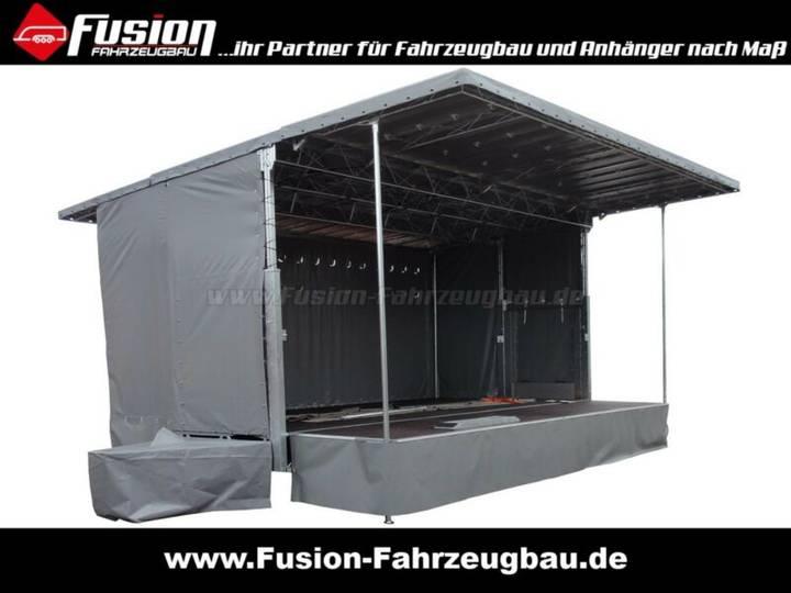 Mobile Bühne / Podium 725x507x400cm, Promotion