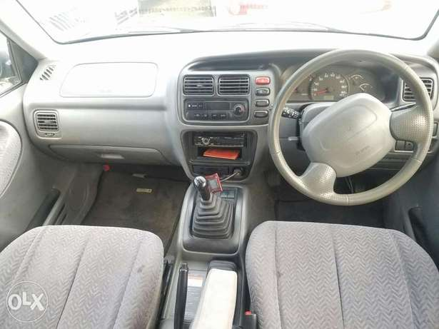 Suzuki Escudo Manual transmission, very clean. Buy and drive Embakasi - image 6