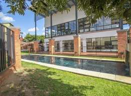 Re-advertised 2 bed 2 bath apartment available for rent in Douglasdale