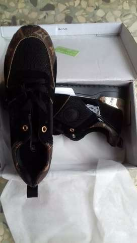 414abf1a9692 Louis Vuitton in Clothing   Shoes