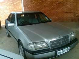 1 owner Mercedes c200 automatic