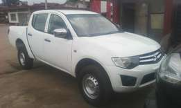 A clean mitsubishi L200 pick up