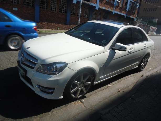 2012 Mercedes Benz C250 Auto Sport CDI Available for Sale9 Johannesburg - image 2