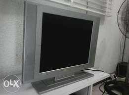 Flat TV 24 inches