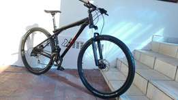 2013 GT 29er. Excellent condition. Size Medium