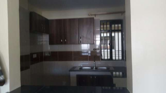Spacious 2 bedroom master en-suit Ruaka - image 1