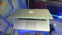Apple MacBook pro core i7 2.9ghz, 1TB,8GB memory,13inches laptop