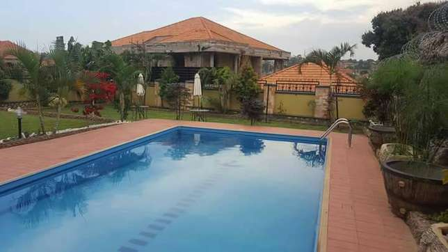Brand new residential mansion for sale in Nalya with beautiful 6 bedro Kampala - image 3