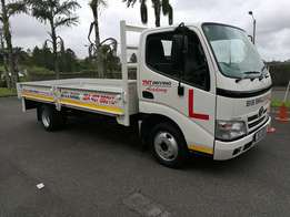 Toyota dyna 4093 truck hire 2.5 ton