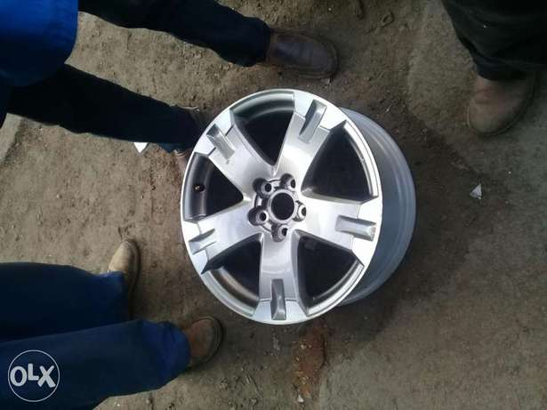 Rim for rav4 new model 17 18 available Nairobi CBD - image 1