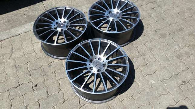 "3 AMG 18"" Mercedes-Benz rims. Missing one rim. Bramley - image 2"