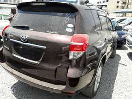 Toyota vanguard 4wd 2010 KCL only 2.35m