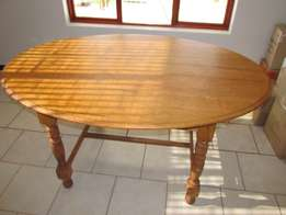 Antique Oak Oval table, top removable.