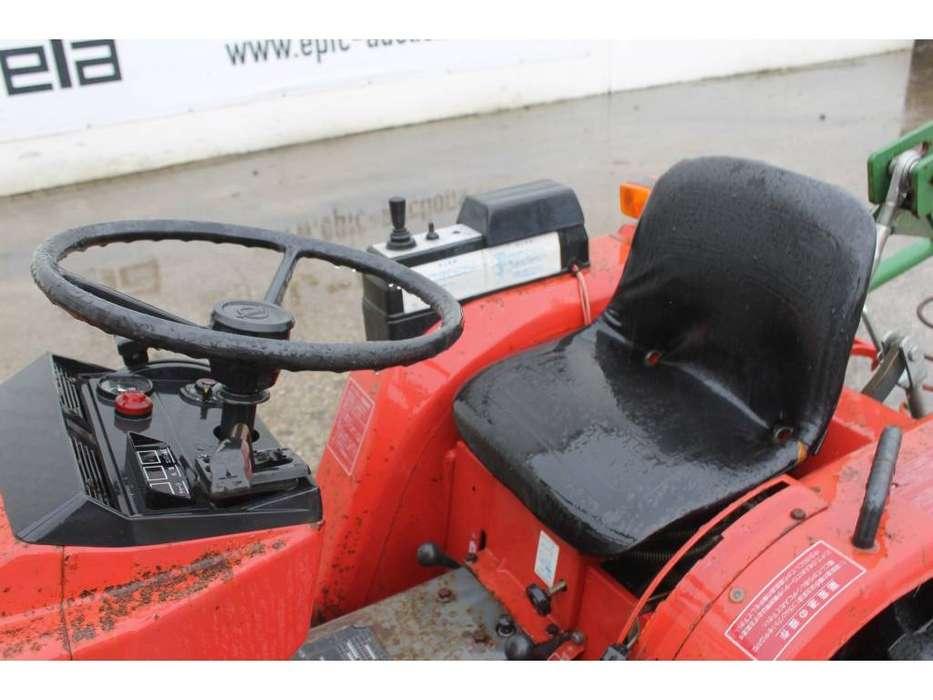 Shibaura P15F 4WD Mini Tractor Met Weidesleep En Schuif - image 13