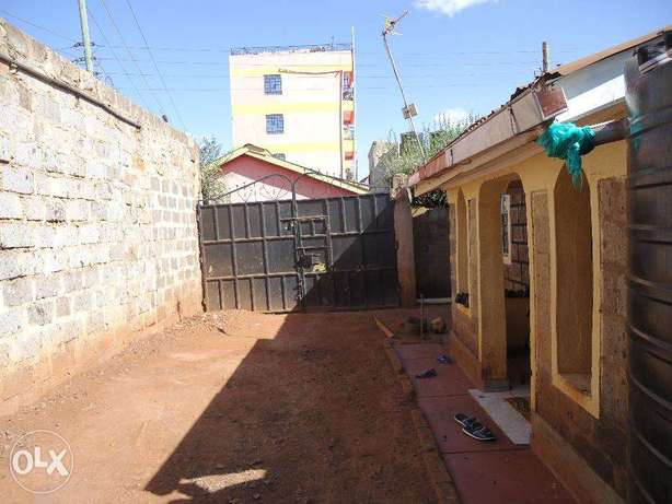 Thika Rd 3br hse on 2 1/8 plots (1/4) with titles ideal for redev. Nairobi CBD - image 6