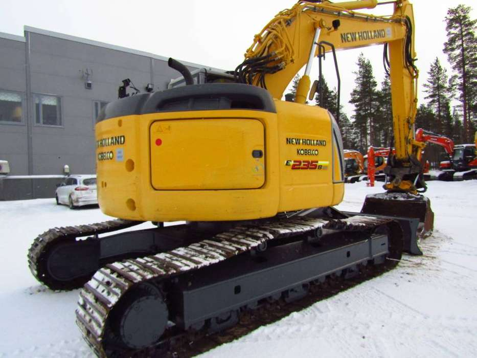 New Holland Myyty! Sold! E235bsrlc Proboengcon - 2010 - image 5