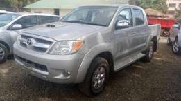 Automatic toyota Hilux double cab for sale.
