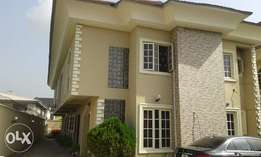 A Good 3 Bedroom Flat for Rent in Lekki Phase 1, Lagos.