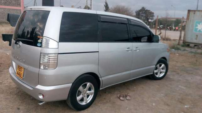 Clean Toyota Voxy for sale Mlolongo - image 6
