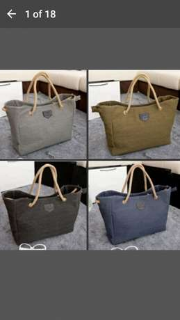 Shoulder bag for 500 and get a FREE gift Midrand - image 3